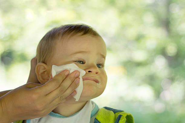 Waarom vochtige babydoekjes een gevaar voor kinderen kunnen zijn