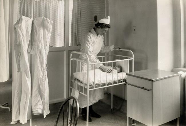 De raarste adviezen aan ouders van de afgelopen 100 jaar